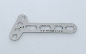 LC-LCP T.Plate Oblique angle for Ø 3.5mm 4 Hole In Head